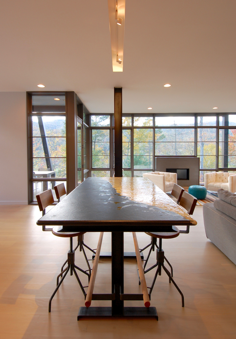 Superbe High Top Game Table